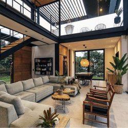 Casa com estilo moderno metalico