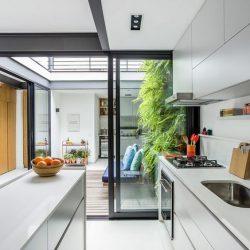 Cozinha integrada com espaço externo moderno