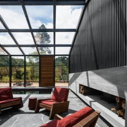 Estrutura metálico com cobertura em vidro