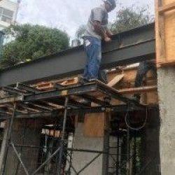 Reforço metálico em edificação